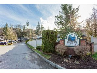 """Photo 2: 53 36060 OLD YALE Road in Abbotsford: Abbotsford East Townhouse for sale in """"Mountainview Village"""" : MLS®# R2430717"""
