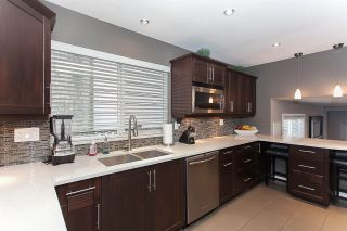 Photo 5: 6255 180A Street in Surrey: Cloverdale BC House for sale (Cloverdale)  : MLS®# R2051159