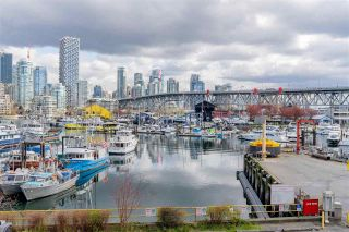 """Photo 35: 704 1450 PENNYFARTHING Drive in Vancouver: False Creek Condo for sale in """"HARBOUR COVE"""" (Vancouver West)  : MLS®# R2571862"""