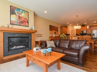 Photo 3: 105 1055 Crown Isle Dr in COURTENAY: CV Crown Isle Row/Townhouse for sale (Comox Valley)  : MLS®# 740518