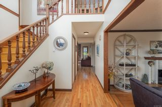 Photo 4: 1011 Kentwood Pl in : SE Broadmead House for sale (Saanich East)  : MLS®# 871453