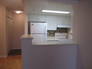 """Photo 6: 603 838 AGNES Street in New Westminster: Downtown NW Condo for sale in """"Westminster Towers"""" : MLS®# R2430621"""