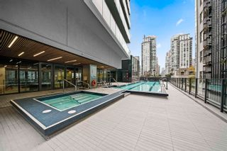 """Photo 4: 2308 777 RICHARDS Street in Vancouver: Downtown VW Condo for sale in """"TELUS GARDEN"""" (Vancouver West)  : MLS®# R2617805"""