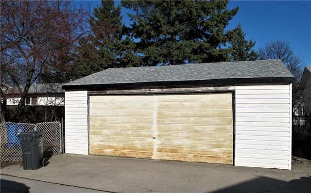 Photo 2: Photos:  in Winnipeg: East Kildonan Residential for sale (3B)  : MLS®# 1909612