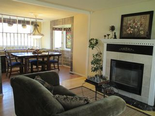 Photo 5: 2906 Lathom Crescent SW in Calgary: Lakeview Detached for sale : MLS®# A1148486