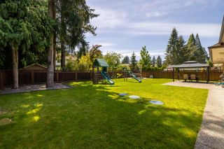 """Photo 3: 20702 40 Avenue in Langley: Brookswood Langley House for sale in """"BROOKSWOOD"""" : MLS®# R2581096"""