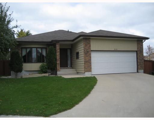 Main Photo: 215 SCURFIELD Boulevard in WINNIPEG: Fort Garry / Whyte Ridge / St Norbert Residential for sale (South Winnipeg)  : MLS®# 2904075