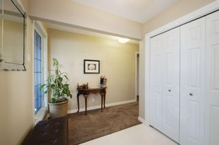 Photo 3: 28 Parkwood Rise SE in Calgary: Parkland Detached for sale : MLS®# A1116542