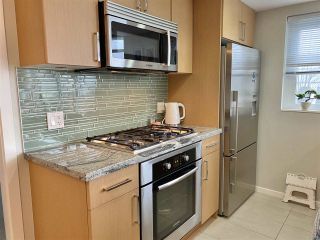 """Photo 2: 303 89 W 2ND Avenue in Vancouver: False Creek Condo for sale in """"Pinnacle Living False Creek"""" (Vancouver West)  : MLS®# R2536464"""