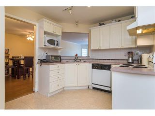 Photo 16: 303 7435 121A Street in Surrey: West Newton Condo for sale : MLS®# R2329200