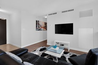 Photo 5: 1801 918 COOPERAGE WAY in Vancouver: Yaletown Condo for sale (Vancouver West)  : MLS®# R2502607