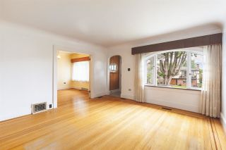 """Photo 4: 2356 KITCHENER Street in Vancouver: Grandview Woodland House for sale in """"Commercial Drive/Grandview"""" (Vancouver East)  : MLS®# R2592334"""