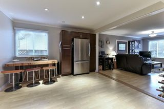 Photo 9: 484 MUNDY Street in Coquitlam: Central Coquitlam 1/2 Duplex for sale : MLS®# R2142692
