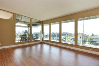 """Photo 3: 14233 MAGDALEN Avenue: White Rock House for sale in """"West White Rock"""" (South Surrey White Rock)  : MLS®# R2262291"""