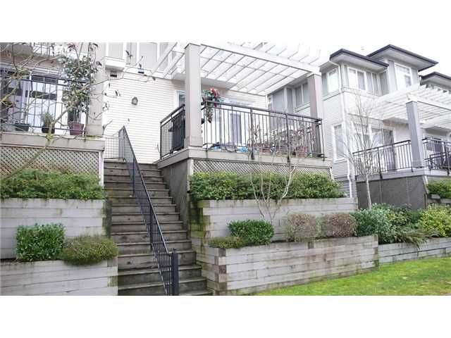 """Main Photo: 4 1010 EWEN Avenue in New Westminster: Queensborough Townhouse for sale in """"WINDSOR MEWS"""" : MLS®# V865507"""