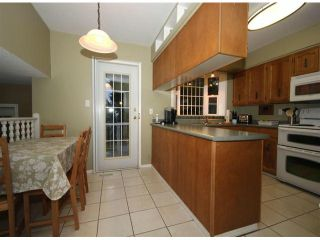 """Photo 5: 9821 116TH Street in Surrey: Royal Heights House for sale in """"Royal Heights"""" (North Surrey)  : MLS®# F1228582"""