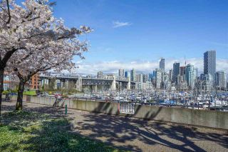 "Photo 31: 301 1470 PENNYFARTHING Drive in Vancouver: False Creek Condo for sale in ""Harbour Cove"" (Vancouver West)  : MLS®# R2563951"