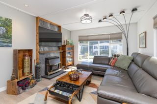"Photo 15: 71 7850 KING GEORGE Boulevard in Surrey: East Newton Manufactured Home for sale in ""Bear Creek Glen"" : MLS®# R2614023"