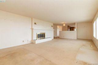 Photo 7: 8591 Lochside Dr in NORTH SAANICH: NS Bazan Bay House for sale (North Saanich)  : MLS®# 790088
