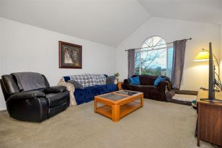 Photo 7: 23886 52 Avenue in Langley: Salmon River House for sale : MLS®# R2576073