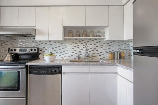 """Photo 11: 1411 1327 E KEITH Road in North Vancouver: Lynnmour Condo for sale in """"CARLTON AT THE CLUB"""" : MLS®# R2624920"""