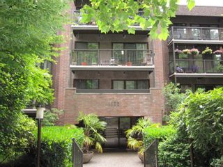 """Photo 1: 307 1655 NELSON Street in Vancouver: West End VW Condo for sale in """"Hempstead Manor"""" (Vancouver West)  : MLS®# R2418935"""