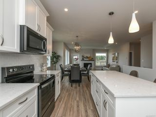 Photo 14: 4100 Chancellor Cres in COURTENAY: CV Courtenay City House for sale (Comox Valley)  : MLS®# 807975