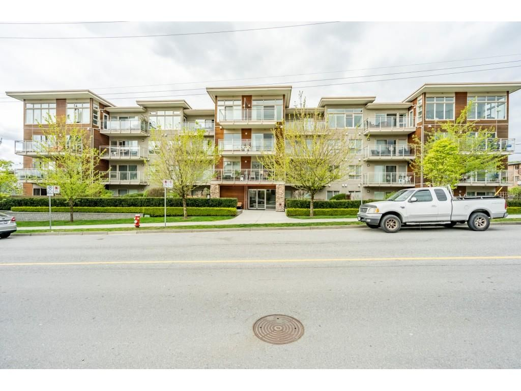 """Main Photo: 115 1033 ST. GEORGES Avenue in North Vancouver: Central Lonsdale Condo for sale in """"VILLA ST. GEORGES"""" : MLS®# R2455596"""