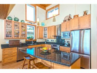 """Photo 4: 6499 WILDFLOWER Place in Sechelt: Sechelt District House for sale in """"Wakefield - Second Wave"""" (Sunshine Coast)  : MLS®# R2030921"""