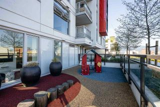 Photo 4: 1810 188 KEEFER Street in Vancouver: Downtown VE Condo for sale (Vancouver East)  : MLS®# R2576706