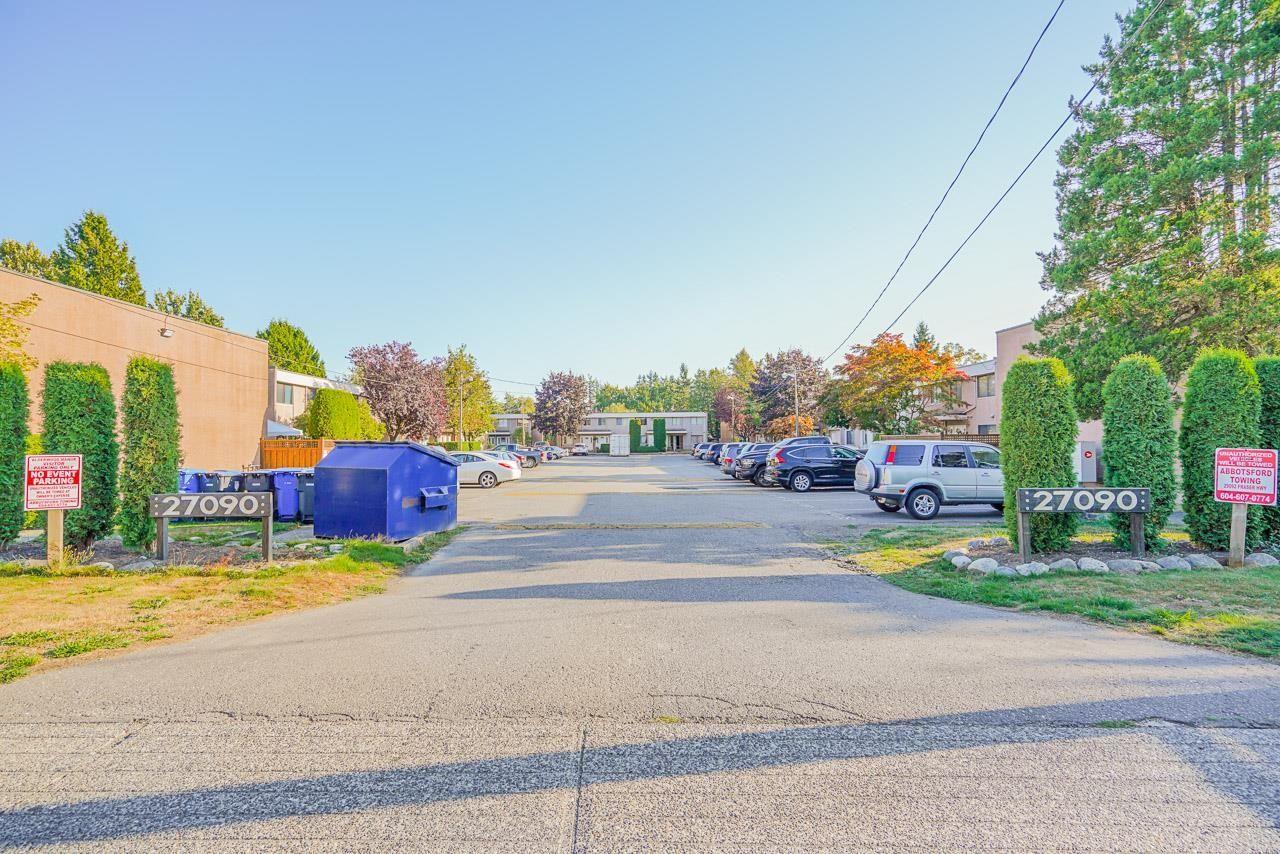 "Main Photo: 17 27090 32 Avenue in Langley: Aldergrove Langley Townhouse for sale in ""Alderwood Manor"" : MLS®# R2614530"