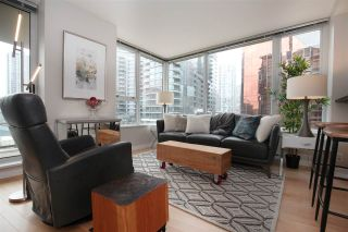 "Photo 2: 606 33 SMITHE Street in Vancouver: Yaletown Condo for sale in ""Coopers Lookout"" (Vancouver West)  : MLS®# R2440133"