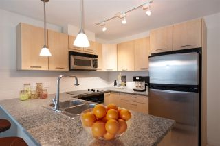 "Photo 16: 706 1199 SEYMOUR Street in Vancouver: Downtown VW Condo for sale in ""BRAVA"" (Vancouver West)  : MLS®# R2531853"