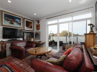Photo 2: 301 1515 Redfern St in : Vi Jubilee Condo for sale (Victoria)  : MLS®# 873995