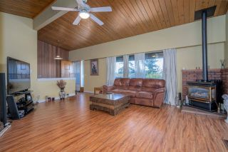Photo 2: 2624 HEMLOCK Crescent in Abbotsford: Central Abbotsford House for sale : MLS®# R2533148