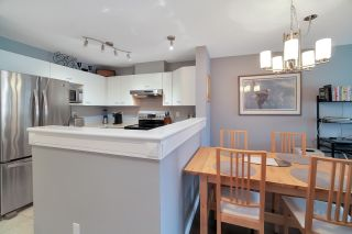 """Photo 15: 406 1242 TOWN CENTRE Boulevard in Coquitlam: Central Coquitlam Condo for sale in """"THE KENNEDY"""" : MLS®# R2543525"""