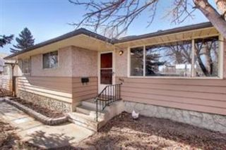 Main Photo: 3423 19 Street NW in Calgary: Charleswood Detached for sale : MLS®# A1100888