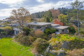 Photo 4: 4080 Lockehaven Dr in : SE Ten Mile Point House for sale (Saanich East)  : MLS®# 871164