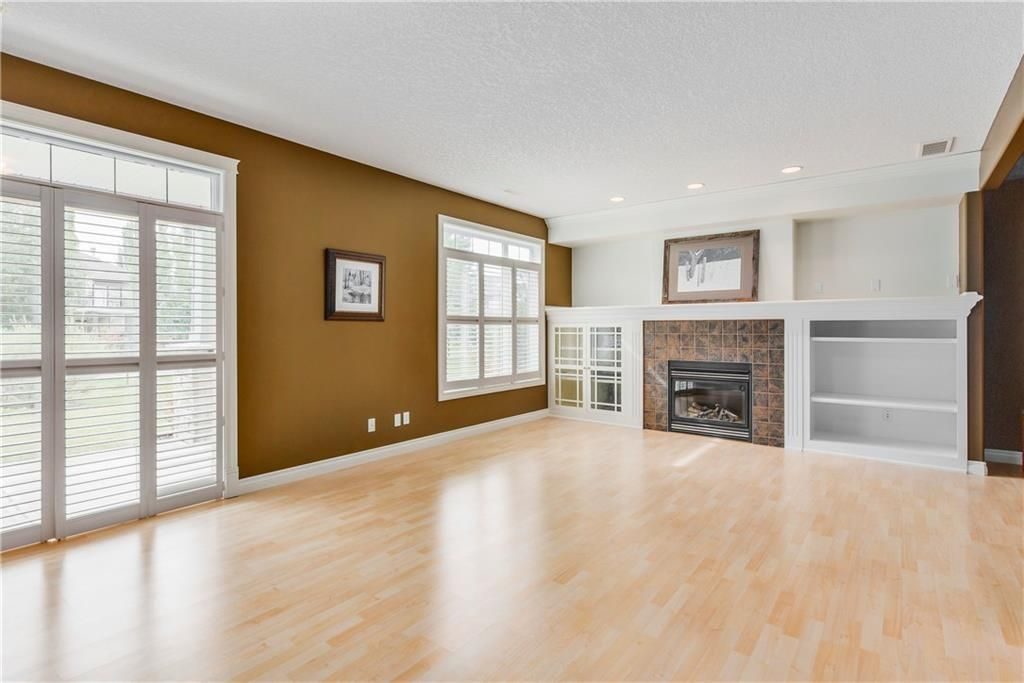 Photo 30: Photos: 73 DISCOVERY WOODS Villa SW in Calgary: Discovery Ridge Semi Detached for sale : MLS®# C4218779