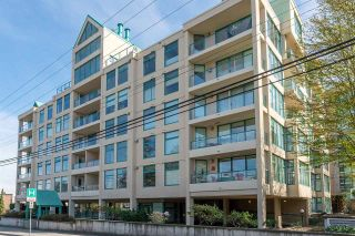 """Photo 2: 301 15466 NORTH BLUFF Road: White Rock Condo for sale in """"THE SUMMIT"""" (South Surrey White Rock)  : MLS®# R2273976"""