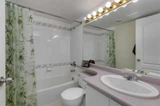 """Photo 8: 707 3489 ASCOT Place in Vancouver: Collingwood VE Condo for sale in """"Regent Court"""" (Vancouver East)  : MLS®# R2441538"""