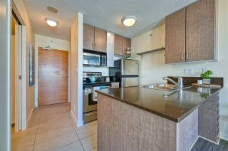 """Photo 4: 1308 909 MAINLAND Street in Vancouver: Yaletown Condo for sale in """"Yaletown Park 2"""" (Vancouver West)  : MLS®# R2590725"""
