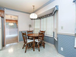 """Photo 11: 116 9781 148A Street in Surrey: Guildford Townhouse for sale in """"CHELSEA GATE"""" (North Surrey)  : MLS®# F1406838"""