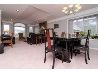 Photo 3: 7961 ROSEWOOD Street in Burnaby: Burnaby Lake House for sale (Burnaby South)  : MLS®# V1112779