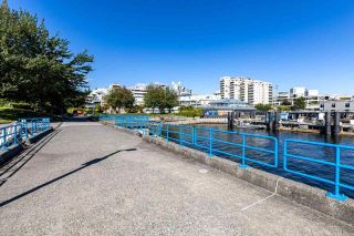 """Photo 29: 2201 33 CHESTERFIELD Place in North Vancouver: Lower Lonsdale Condo for sale in """"Harbourview Park"""" : MLS®# R2549622"""