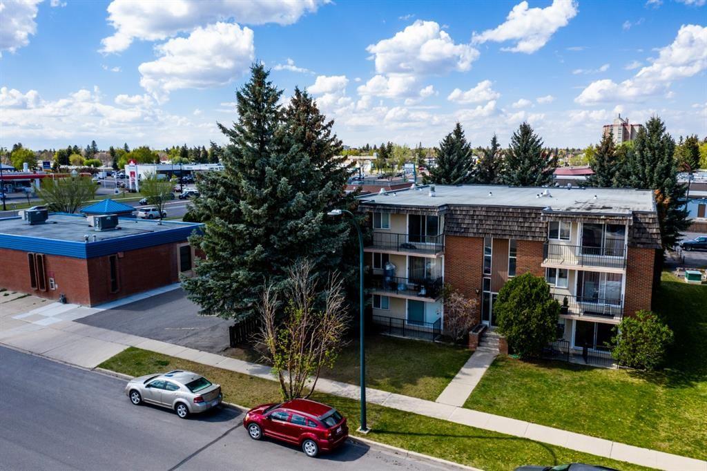 Main Photo: 1718 Henderson Lake Boulevard S: Lethbridge Multi Family for sale : MLS®# A1139951