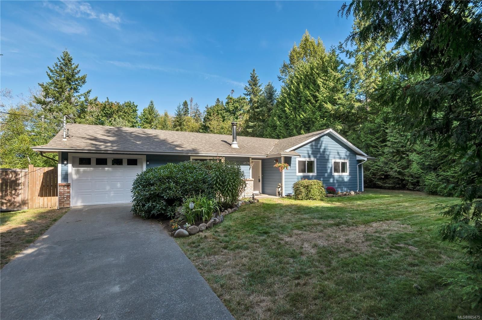 Main Photo: 4176 Briardale Rd in : CV Courtenay South House for sale (Comox Valley)  : MLS®# 885475