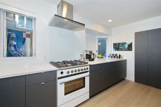 Photo 3: 201 2238 W 2ND Avenue in Vancouver: Kitsilano Condo for sale (Vancouver West)  : MLS®# R2422164
