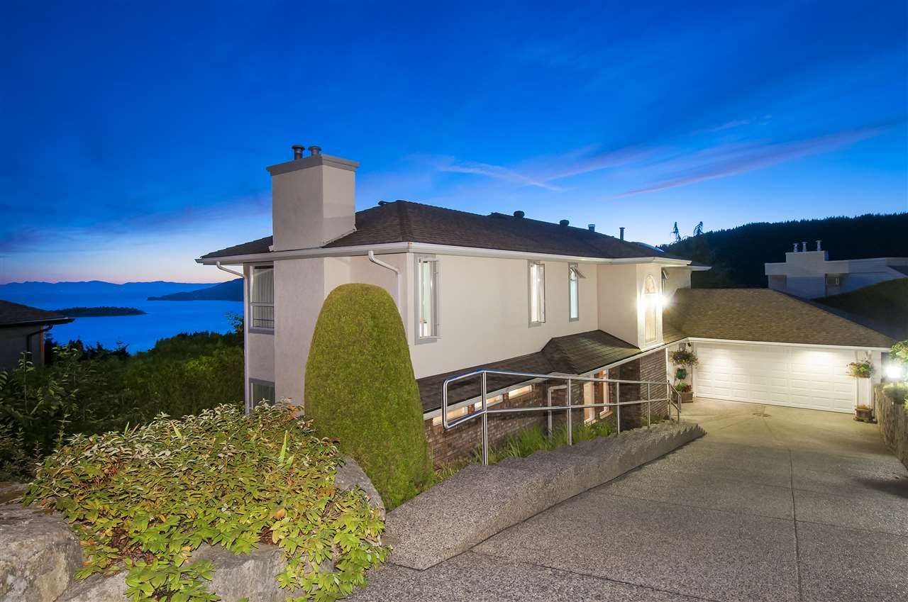 Main Photo: 4791 WESTWOOD Place in West Vancouver: Cypress Park Estates House for sale : MLS®# R2582506
