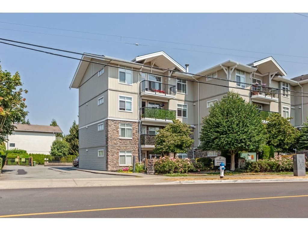"""Main Photo: 311 33255 OLD YALE Road in Abbotsford: Central Abbotsford Condo for sale in """"The Brixton"""" : MLS®# R2610034"""